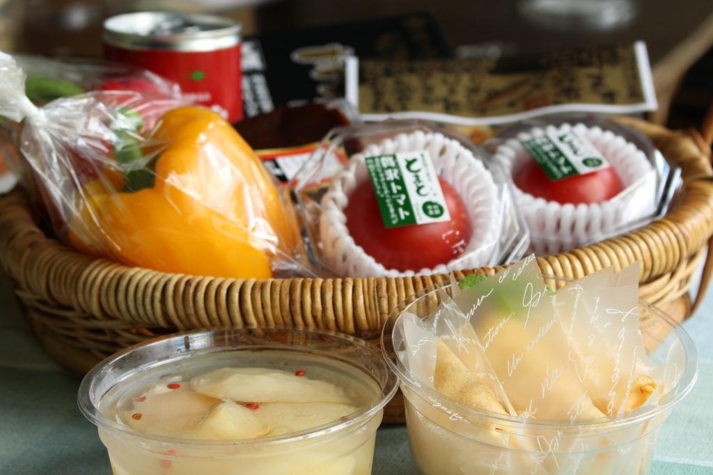 タカバヤシのお菓子と店長おすすめの飛騨のおいしいものセット2018.8月便